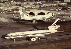 Atlanta Airport arrival of the jumbo jets