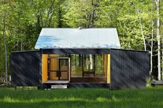 Week'ndr prefab by FlatPak Studio