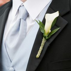 Calla Lily Boutonnieres- groomsmen could have tweed