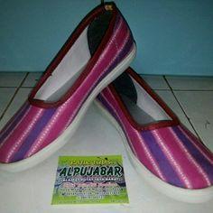 Sepatu Batik tulis WA 083831396850