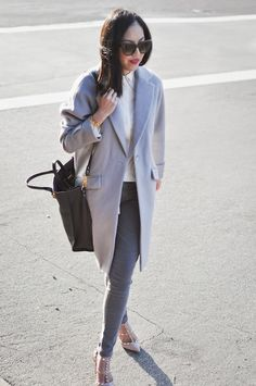 See the latest hair, makeup and fashion trends and what the stars are wearing. Then enhance your own style with fashion tips and beauty secrets. Sporty Chic, Casual Chic, Fall Winter Outfits, Autumn Winter Fashion, Fashion Outfits, Womens Fashion, Fashion Trends, Weekend Outfit, Mode Inspiration