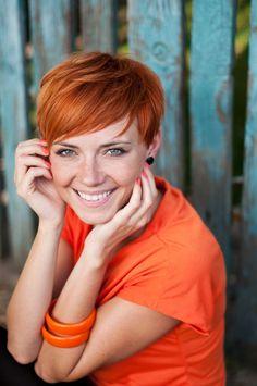 Spana in vår frisyrbild i kategorin Korta tjejfrisyrer idag! Bli inspirerad till ditt näst frisyr!
