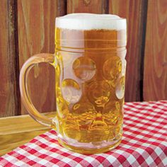 This one-liter stein enables serious indulgence for beer lovers, and its textured design adds traditional flair. Quirky Gifts, Unusual Gifts, Best Gifts For Him, Gaming Accessories, Presents For Men, Present Gift, Beer Lovers, Online Gifts, Mugs