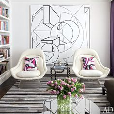 Vintage Interior Design Interior designer Delphine Krakoff renovates a Manhattan residence, crafting a luxurious setting for the owners' array of contemporary art Living Room Grey, Living Room Decor, Bedroom Decor, Dining Room, Dining Area, Art Pour Salon, Interior Exterior, Luxury Interior, Room Interior