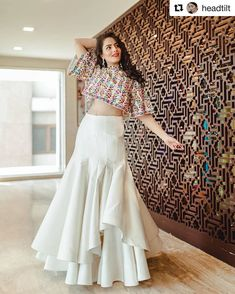 Latest Collection of Lehenga Choli Designs in the gallery. Lehenga Designs from India's Top Online Shopping Sites. Indian Designer Outfits, Indian Outfits, Designer Dresses, Lehenga Choli Designs, Stylish Dresses, Fashion Dresses, Fashionable Outfits, Lehnga Dress, Indian Gowns Dresses