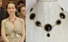 Reign Black and Gold Rhinestone Necklace par tudorshoppe sur Etsy