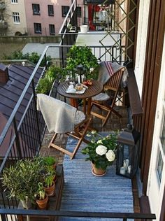 55 Ideas For Apartment Patio Decor Tiny Balcony Small Tables Small Balcony Design, Small Balcony Garden, Small Balcony Decor, Small Patio, Small Terrace, Small Balconies, Balcony Plants, Balcony Chairs, Terrace Garden