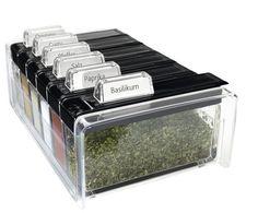 Un rangement à épices très pratique, même dans un tiroir. Couvercle coulissant avec perforations réglables. Etiquettes incluses. Vendue avec...
