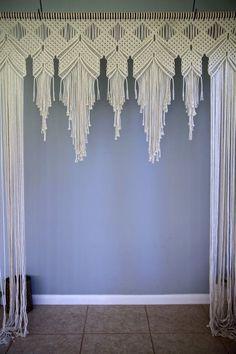 Macrame Wedding Arch 6 x 8 Natural White Cotton Macrame Art, Macrame Projects, Macrame Toran, Macrame Modern, Modern Boho, Mur Diy, Wedding Arch Rustic, Wedding White, Macrame Curtain