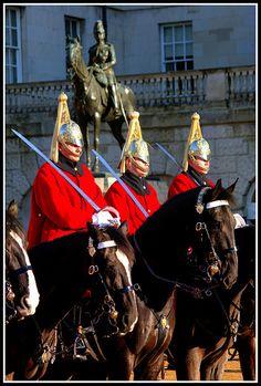 Horse Guards on Parade British Army Uniform, Men In Uniform, Royal Horse Artillery, Hampstead London, Queens Guard, Royal Guard, British Monarchy, Great British, London City