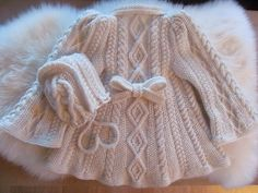 Exquisite!!! No pattern, but lovely inspiration. Ravelry: ma9's Coat for a princess