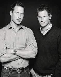 Prince William and Prince Harry Pose in Photo Taken by Fergus Greer for the 2007 Concert for Diana Prince William And Harry, Prince William And Kate, Prince Harry And Meghan, Prince Charles, Prince Henry, Lady Diana, Princesa Diana, Prince And Princess, Princess Kate