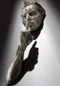 Matteo Pugliese, escultor de Milão.