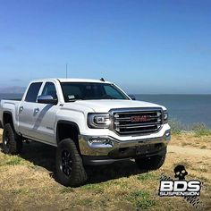 2016 GMC Sierra 1500 Z71 lifted. Gm Trucks, Diesel Trucks, Lifted Trucks, Cool Trucks, Lifted Chevy, Chevy Pickups, Chevrolet Silverado, Silverado 1500, Ambulance