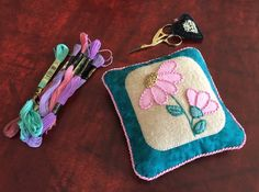 Val Laird Designs - Journey of a Stitcher: Tied up in knots