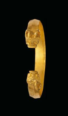 A GOLDEN HORDE GOLD BRACELET NORTHERN BLACK SEA, CIRCA 13TH-15TH CENTURY A.D.