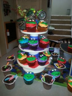 Cupcakes with worms in dirt!
