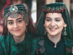 Turkish Fashion, Turkish Beauty, Happy Birthday Cake Images, Turkic Languages, Esra Bilgic, Gold Watches Women, Pakistani Dramas, Turkish Actors, Girl Photography