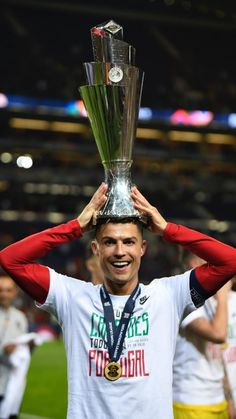 🇵🇹Crishtiano Ronaldo - the first player to win 10 trophies under the auspices of UEFA: European Championship League of Nations Champions League UEFA Super Cup King! Juventus Fc, Cristiano Ronaldo Juventus, Neymar, Messi, Team 7, Ronaldo Photos, Nations Cup, Uefa Super Cup, Kylie Jenner Pictures
