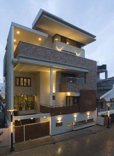 Elegant modern residential house in India