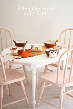 Thanksgiving kids' table - easy & beautiful table setting for the holidays