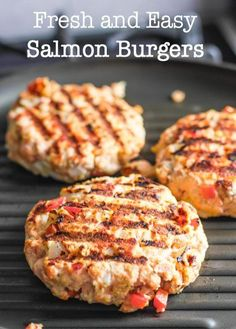 and Fresh Salmon Burgers Fresh and Easy Salmon Burgers! Cook indoors or out!Fresh and Easy Salmon Burgers! Cook indoors or out! Fish Recipes, Seafood Recipes, Cooking Recipes, Healthy Recipes, Salmon Burger Recipes, Canned Salmon Recipes, Avocado Burger, Baked Salmon Burgers Recipe, Salmon Burgers Canned