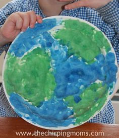 Love this puffy paint Earth craft from @The Chirping Moms! Check it out, and find links to their Earth Week giveaway too!