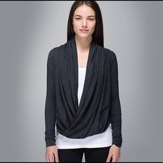 Lululemon iconic wrap Great condition! Worn once. Price is firm unless you bundle for the discount. lululemon athletica Sweaters Crew & Scoop Necks