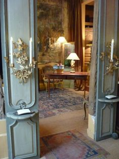 Paire de boiserie XVIII ème peintes (pare-close)  Me-  These two panels would look great in b.r. with bed in between after I get the headboard done.