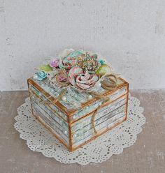 Gift box - Scrapbook.com