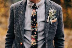 Great groom attire from Green Wedding Shoes Wedding Groom, Wedding Men, Wedding Suits, Wedding Attire, Wedding Dresses, Wedding Unique, Fall Wedding, Wedding Flowers, Tweed Wedding