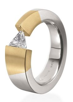 Diamond Rings : Steven Kretchmer - Buy Me Diamond Bijoux Design, Schmuck Design, Jewelry Design, Contemporary Jewellery, Modern Jewelry, Jewelry Rings, Jewelry Accessories, Rose Gold Jewelry, Bijou Box