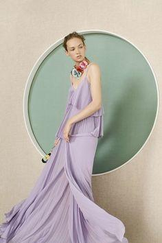 Colecciones: Elie Saab Resort 2017. Sencillamente Espectacular!! 💎💎 #coleccion #collection #resort2017 #eliesaab #style #fashion #beautiful #chic #fashionista #glamour #fashionblog #designer #design #details #inspiration