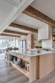 Neutral Kitchen, Rustic Kitchen, Kitchen Decor, Kitchen Ideas, White Oak Kitchen, Barn Kitchen, Kitchen Inspiration, Kitchen Designs, Kitchen Interior