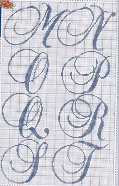 Monograma em ponto cruz (M, N, O, P, Q, R, S e T)