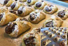 Bombastické ořechové koláčky. Ideální těsto ze zakysané smetany, které je vhodné i na vánoční pečení. – Magnilo Pampered Chef, Baking Recipes, Dessert Recipes, Czech Recipes, Waffle Iron, Amazing Cakes, Christmas Cookies, Waffles, Deserts