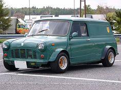 . Mini Cooper Classic, Classic Mini, Classic Cars, Mini Clubman, Mini Countryman, Mini Morris, Minis, Mini Copper, Cool Vans