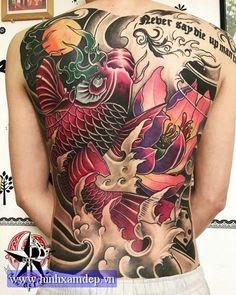 hinh xam ca chep dang cap Rose Tattoos, Body Art Tattoos, Sleeve Tattoos, Japanese Tattoo Art, Japanese Tattoo Designs, Tattoo No Peito, Koi Tattoo Design, Hannya Mask Tattoo, Full Tattoo