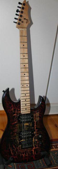 Kuulumisia: Krakleeraus, koristemaalaus, kitara