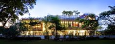 URBAN ARCHITECTURE NOW: 50 STUNNING HOUSES IN SINGAPORE