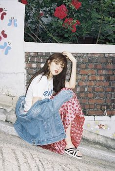 """Lee Sung Kyung, who is currently playing the character of Seo Woo in """"Doctors"""" shows off her sense of humor in the June issue of Grazia. I'm loving her portrayal of Seo Woo, she… Ulzzang Fashion, Ulzzang Girl, Korea Fashion, Asian Fashion, Korean Girl, Asian Girl, Swag Couples, Grazia Magazine, Weightlifting Fairy Kim Bok Joo"""