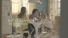 GERUNDIO & IMPERSONAL SE: Anuncio Maggi España con la frase promocional Con la comida no se juega, ¿o sí?.