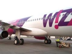 Wizz Priority, megéri vagy sem? Tenerife, Priorities, Barcelona, Aircraft, Vehicles, Teneriffe, Aviation, Plane, Barcelona Spain