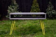 Table basse palette avec les jambes en épingle à par PriosTeam