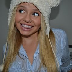 alli simpson click her board for Alli Simpson, Shes Perfect, These Girls, Woman Crush, Love Her, Winter Hats, Celebs, People, Hair