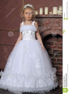 Wedding Dresses For Girls, Girls Dresses, Flower Girl Dresses, Bride, Fashion, Dresses Of Girls, Wedding Bride, Moda, Bridal