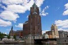 Non Monochromatic Milwaukee River Walk >> 83 Best Mke Images Milwaukee Wisconsin Lake Michigan Cities