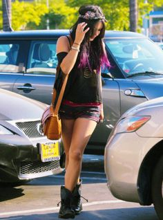 Vanessa Hudgens's style is absolutely Amazing. :)