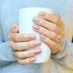 Minus the fox on the nail I wanna try this!!