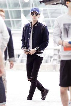 Incheon Airport to Chongqing 150911 : Sehun